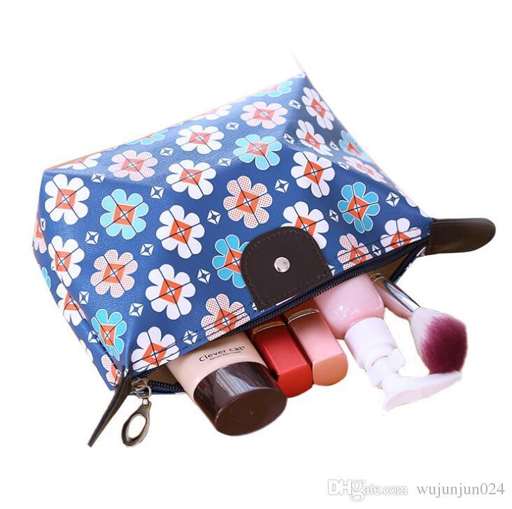 Travel Cosmetic Bag Cartoon Makeup Case Women Zipper Hand Holding Make Up Handbag Organizer Storage Pouch Toiletry Wash Bags