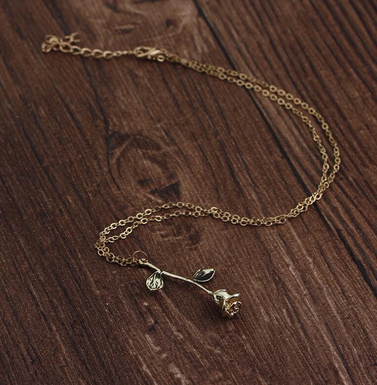 Delicada flor de rosa colgante de collar de encanto de oro plata belleza collar de la joyería de Rose para mujeres niñas envío gratis