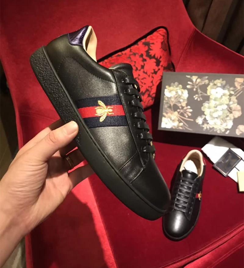 2017 düşme yeni en kaliteli erkek moda hakiki deri animalLittle arı Nakış lüks Loafer'lar Sneakers üzerinde Nefes düşük üst kayma