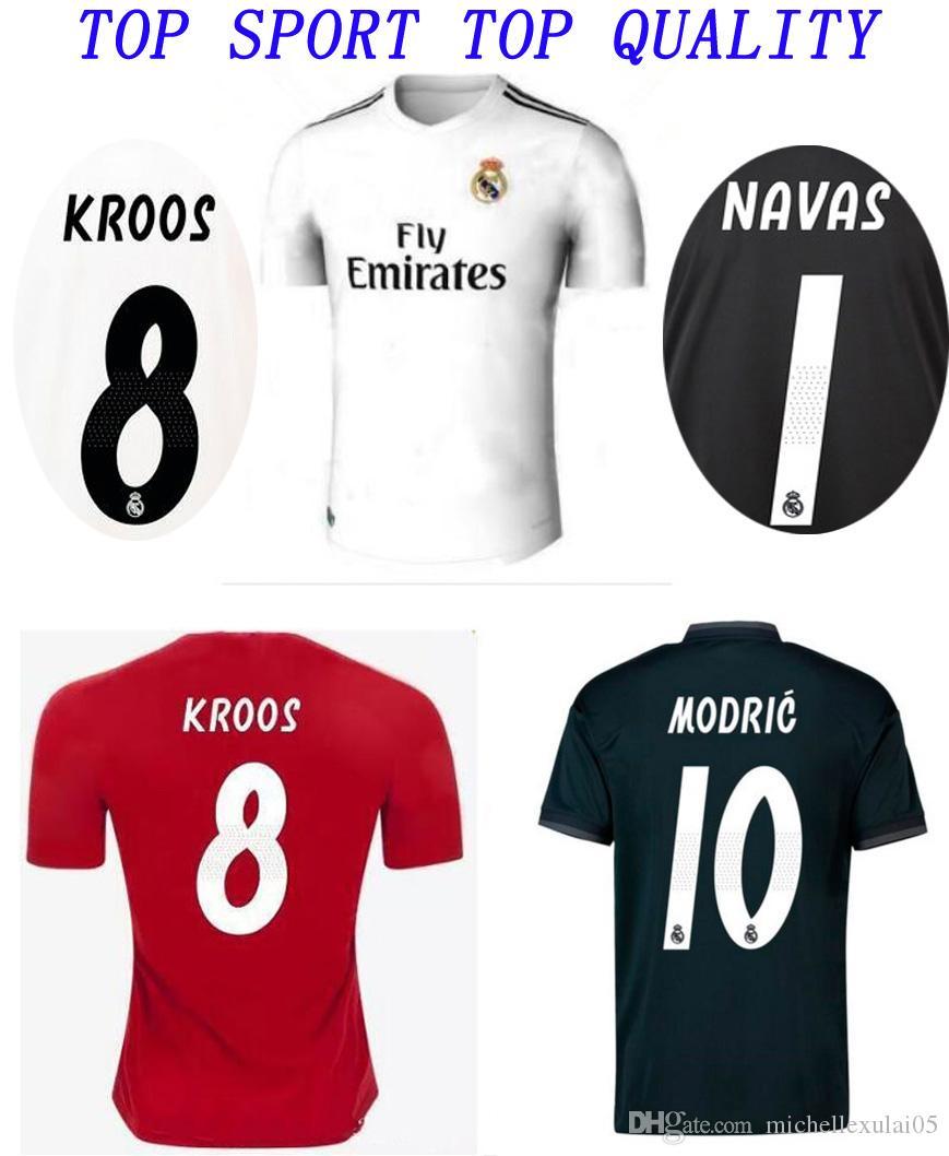 ce7c1d4c3 Acquista 2018 2019 Maglia Da Calcio Real Madrid BALE KROOS T Shirt Calcio 18  19 ISCO SERGIO RAMOS Maglia Da Calcio Portiere NAVAS Uniformi Da Calcio A  ...