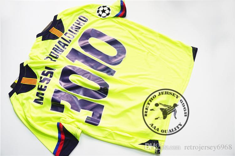 1192a49729 Compre Frete Grátis 2006 Longe Messi Ronaldinho Retro Jersey Camisas Velhas  Final Campeão Liga Velha Camisa Clássica De Retrojersey6968