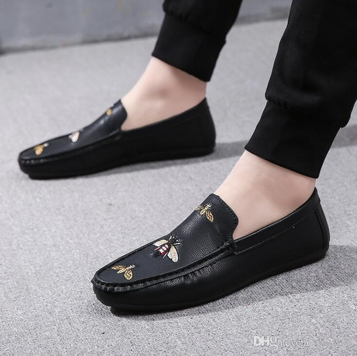 Spring New Bee Embroidered Shoes Men'S Driving Loafers PU Leather Single Flats A Pedal Lazy Shoes Casual Breathable Retro Boat Shoes Men Italian Shoes