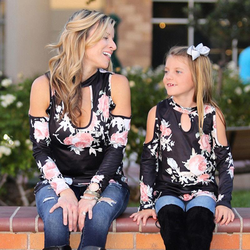 Família Roupas Combinando Tops Florais Mãe Mãe Filha Meninas de Manga Comprida Pullover Camisa de Algodão Preto