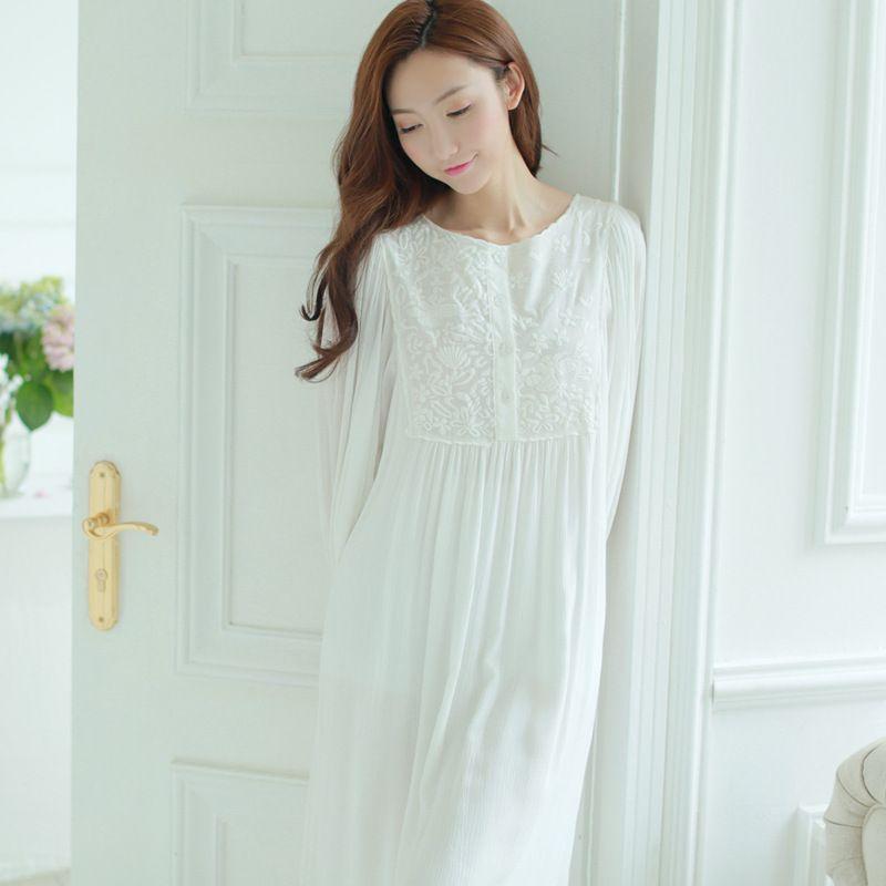 Women Vintage Nightgown Sleepwear Autumn Long-Sleeved Lace Round Neck Nightdress White Princess Pijama Pyjama
