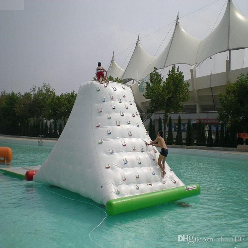 물 바위 등반 또는 물 빙산 뜨거운 여름 풍선 장난감 야외 게임 물 공원에서 재생 풍선 빙산