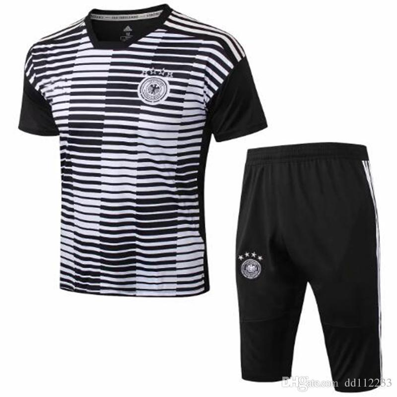 6856e1ef32af7 Compre 2018 2019 Nova Alemanha Camisa De Futebol Terno De Treinamento 3 4  Calças 18 19 GOTZE OZIL KROOS BOATEN GUNDOGAN Camisa De Futebol De Manga  Curta ...