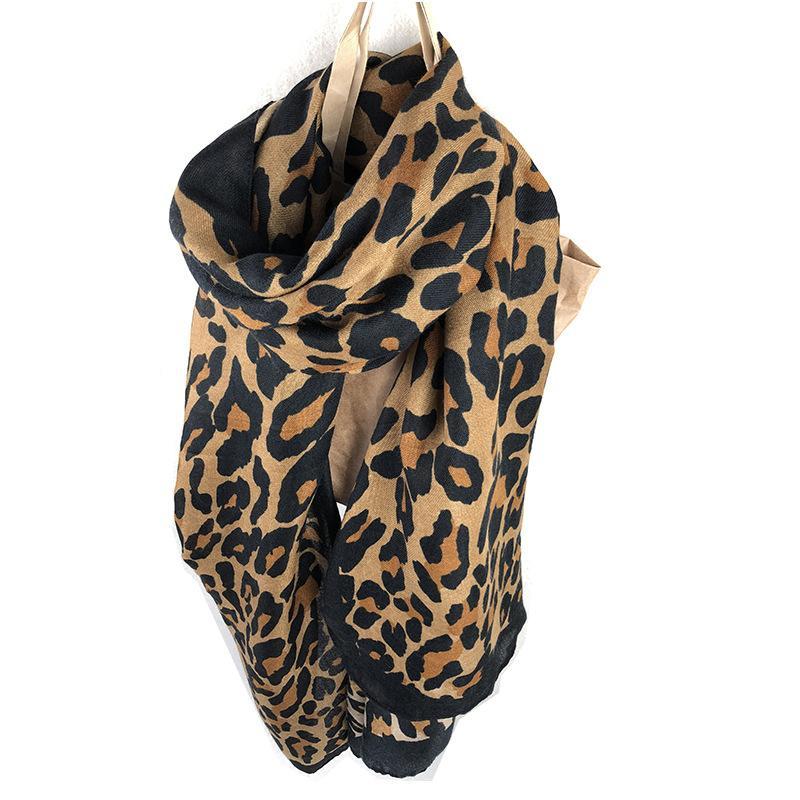 Acheter Mode Classique Imprimé Léopard Point Leopard Femmes Écharpe Automne  Hiver Longue Paragraphe Dames Sauvages Version Coréenne Coton Châle Double  Usage ... 095733b126a