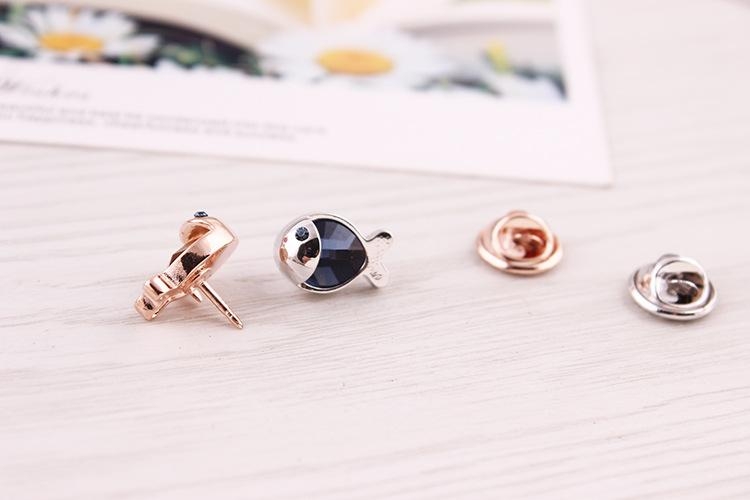CINDY XIANG Cute Crystal Fish Collar Brooches Unisex Small Animal Brooch Pin Shirt Accessories Wedding Jewelry Bijouterie Broch