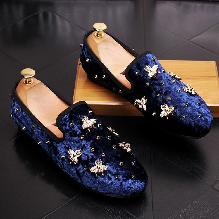 2018 ربيع جديد الرجال المخملية متعطل حفل زفاف أحذية أوروبا نمط المطرزة الأزرق الأحمر المخملية النعال القيادة الأخفاف الأحذية Z541