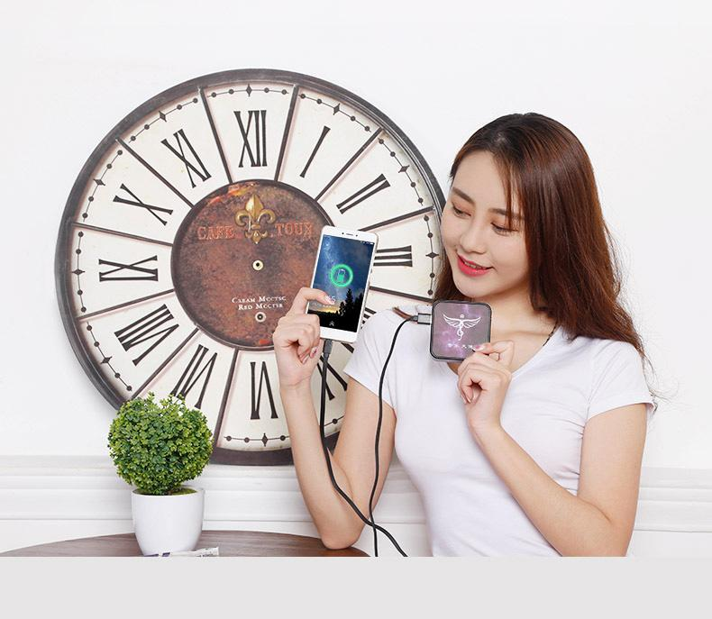 Music angel intelligent cloud bluetooth audio in English and Chinese instant translation machine voice control micro-chat man-machine