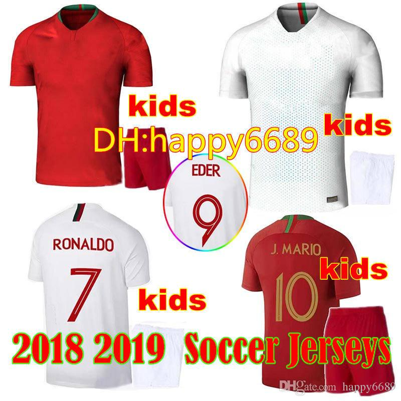 1dbbcd3107 Compre 2018 Portugal Kids Kit Camisolas World Cup Home Ronaldo 18 19 Fora  Silva Guedes Nani Selecção Nacional De Futebol Camisas De Futebol Para  Crianças De ...