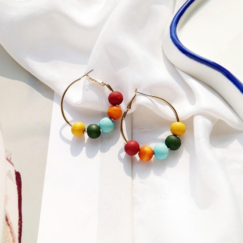 Fashion Round Colorful Wood Balls Gold-color Circle Geometric Hoop Earrings for Women Vintage Loop Earrings 040