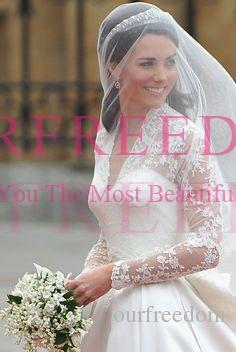 Принцесса Уильям и Кейт Свадебные платья 2019 Ретро V-образным вырезом с длинным рукавом Кружева A Line Королевская церковь свадебное платье на заказ кнопка на задней крышке