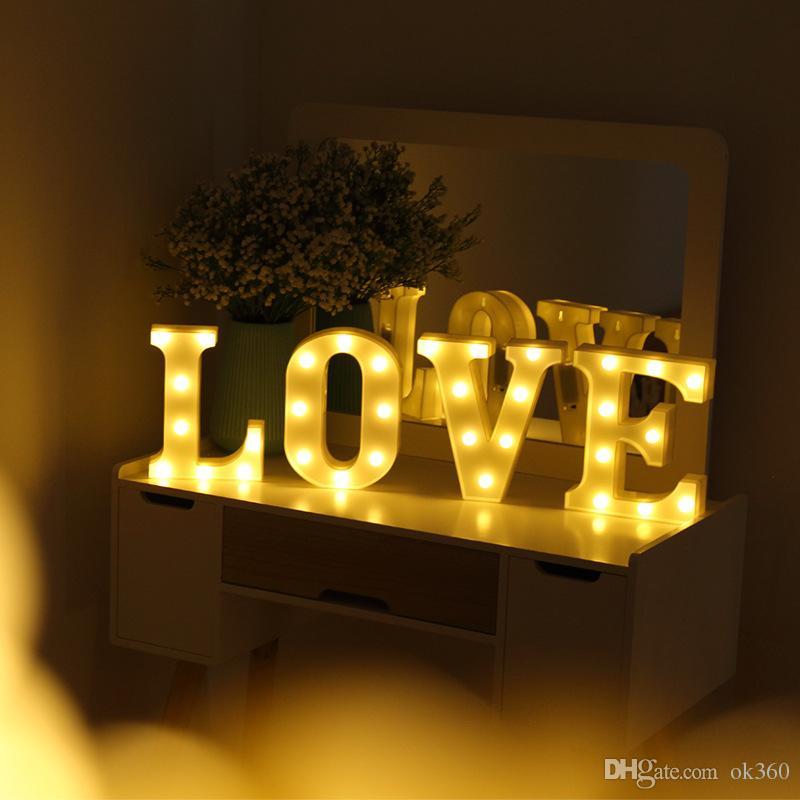 26 Cartas LED 3D DIY Night Registar Luz caçoa o presente Marquee Lamp alfabeto para a festa de aniversário de casamento Quarto decoração da parede de suspensão