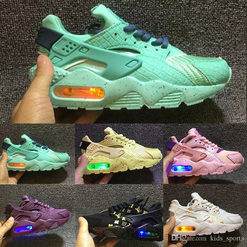 Éclairés Kids Enfants Flash Nike Air Âge Chaussures Huaraches Garçons En Runing Runner Plein Huarache Enfant Bas QdsrCthx