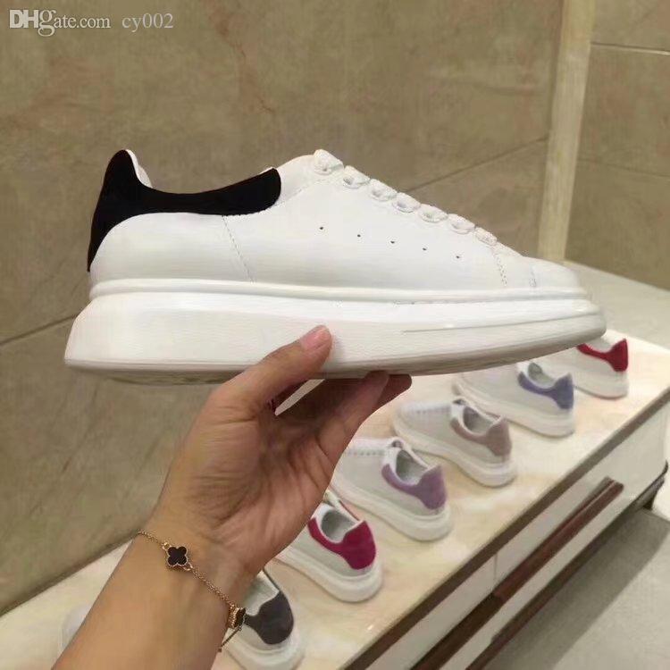 Yeni Mens Womens Moda Lüks Beyaz Deri Platform Ayakkabılar Düz Rahat Ayakkabılar Lady Siyah Pembe Altın Kadınlar Beyaz sneakers 35-45