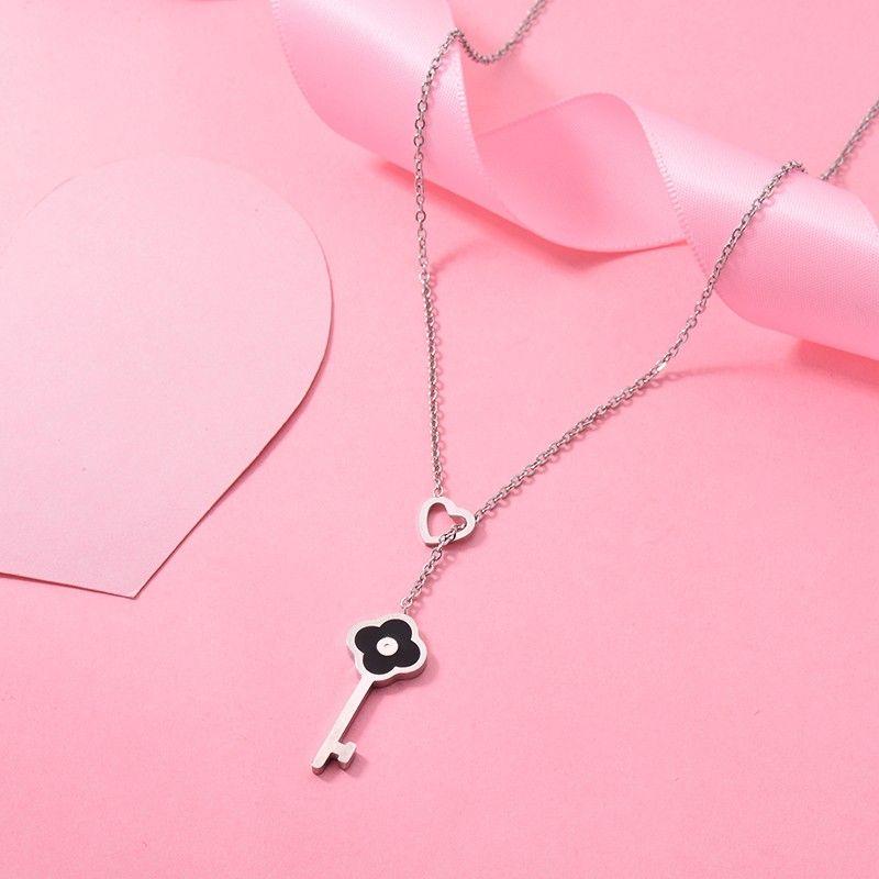 Fashion Jewelry Heart Pendant Necklace Black Clover Pendant Necklace For Women Key Shape Stainless Steel Stud Women Earring Jewelry Set