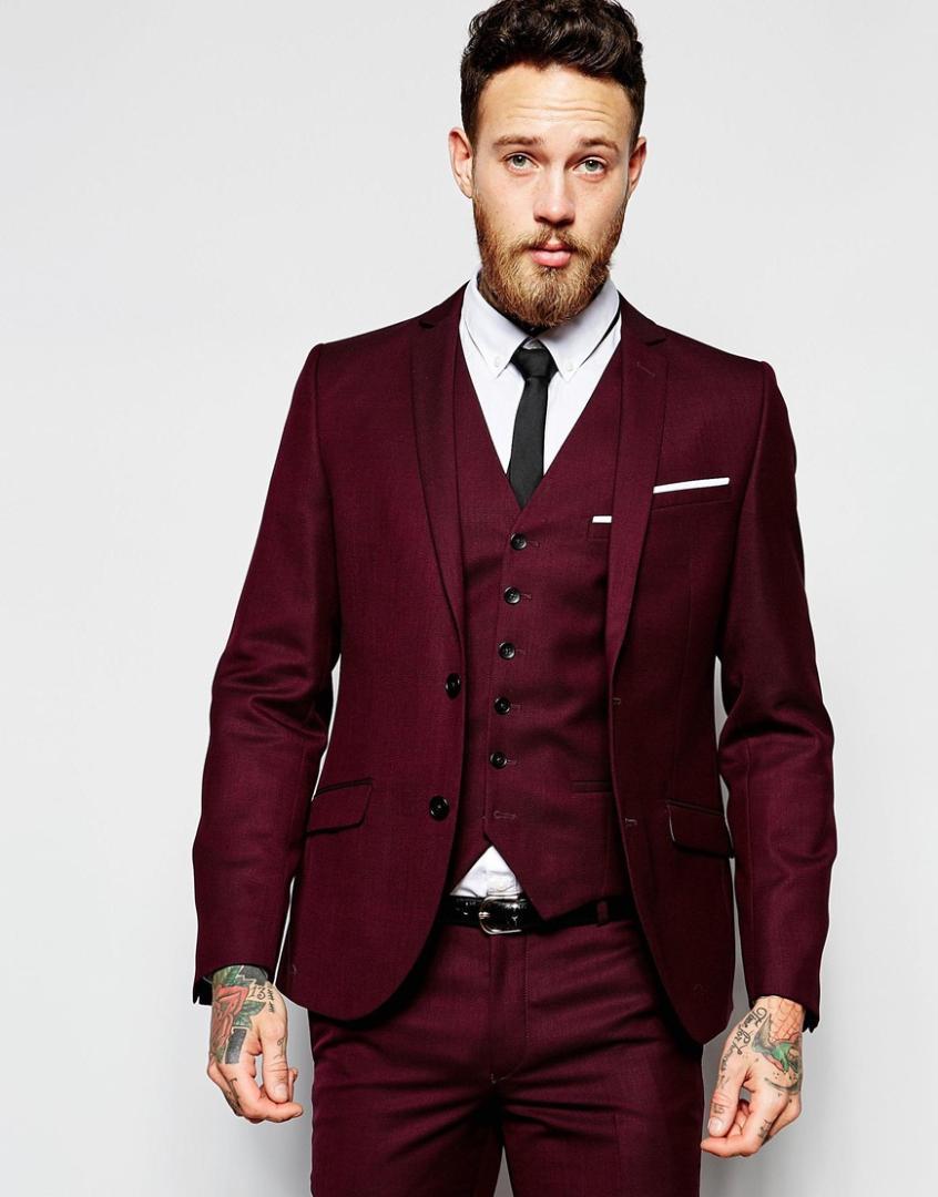 Compre Nuevo Diseño De Dos Botones Novio Rojo Oscuro Esmoquin Padrinos De Boda  Traje De Baile De Boda Para Hombres Novio Chaqueta + Pantalones + Chaleco +  ... 398fd5bc9ec