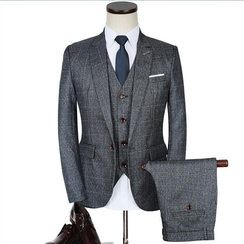 6b8ac8d6ba7e De lujo para hombre trajes grises 3 piezas chaqueta pantalones chaleco  vestido formal tamaño chino hombres traje conjunto hombres trajes de boda  ...