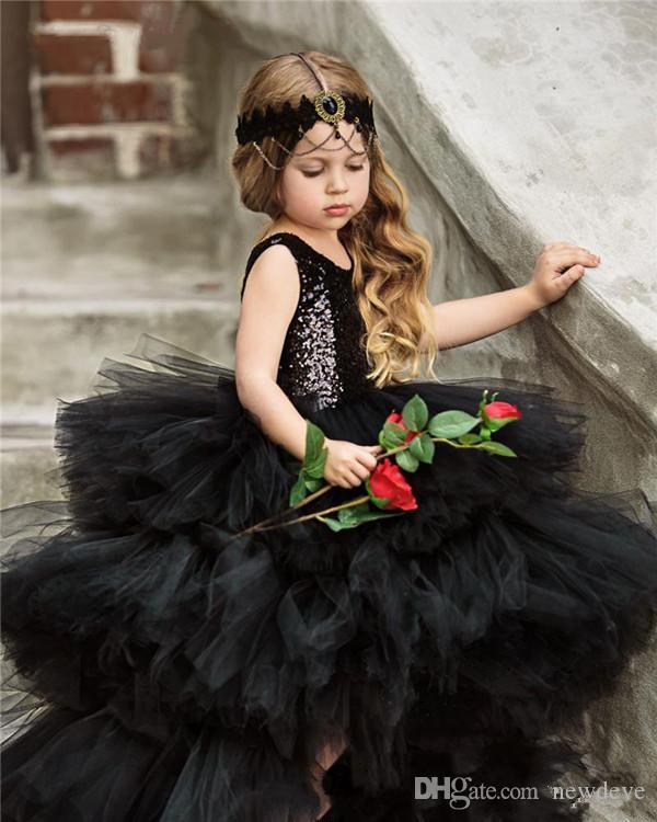 2020 abiti da ragazza di fiori carini abito da ballo senza maniche lunghezza pavimento abito da spettacolo ragazze con paillettes a strati in tulle matrimonio