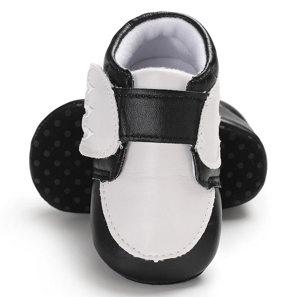 d37398461 Compre Zapatos De Bebé Clásicos De Cuero De La PU Suela Suave  Antideslizante Cinta Mágica Primavera Otoño Niño Prewalker Corazón Mejores  Regalos Para Niños ...
