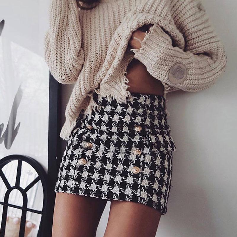 13dac841e5da99 Nouveau 2018 Printemps Automne Femmes Élégant Classique Blanc Noir Plaid  Tweed Armure Mini Jupes Dames Boutons Bodycon Slim Jupe C067