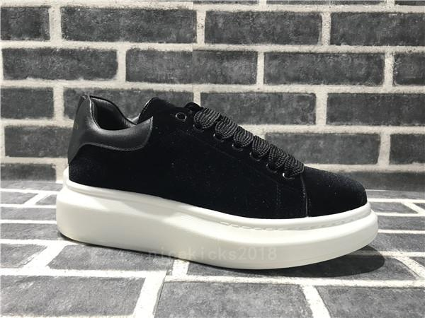 2018 Flash-Verkauf der Frauen Männer Schuhe Schöne Plattform-beiläufige Turnschuhe Leder Volltonfarben Eleganter Schuh