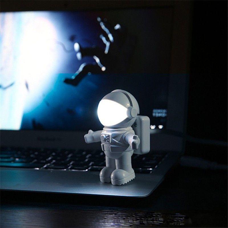 In-business 참신 LED 우주 우주 비행사 USB LED 야간 조명 스위치 창조 Nightlight 우주 비행사 USB 야간 조명 장소