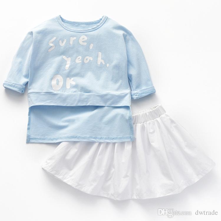 Çocuk Giyim İlkbahar ve Sonbahar Kız Mavi Yuvarlak Yaka Uzun Kollu T-shirt ve Beyaz Kısa Etek Takım Elbise İki Adet