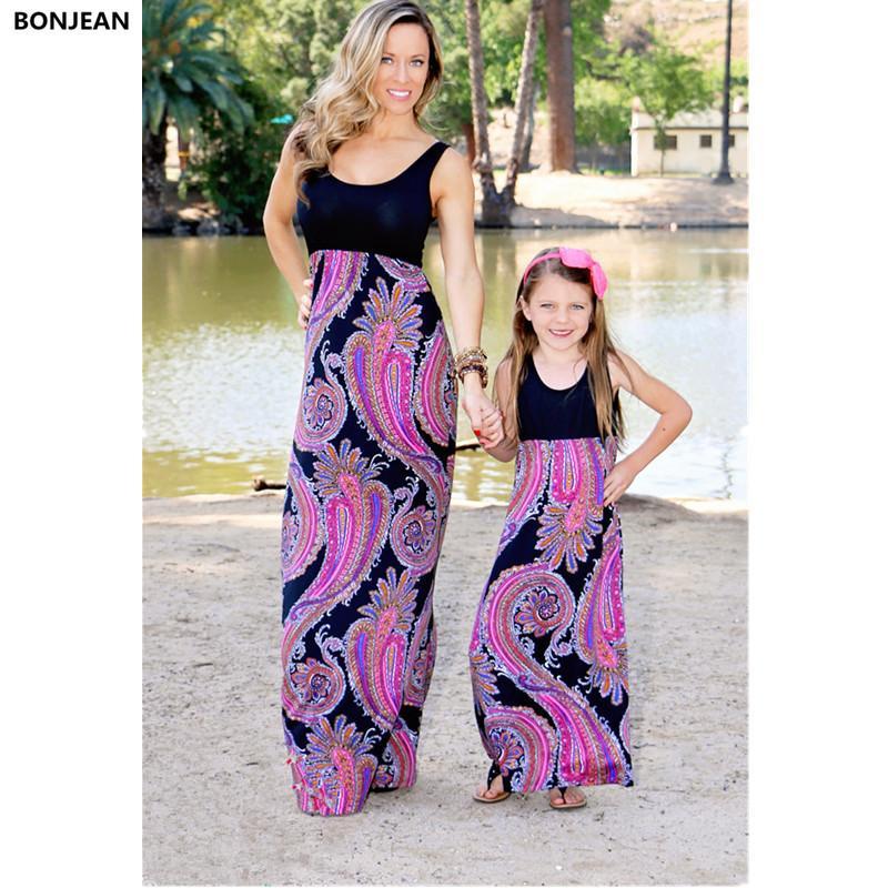 764c412a5 Compre Verano Mamá Y Yo Vestidos De Madre E Hija Estilo Bohemio Elegantes  Chicas De Fiesta Vestido Largo Mamá E Hija Ropa Familia Conjunto A  23.92  Del ...