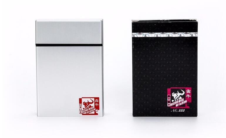 1 Takım Poker Metal Kutu Plastik Iskambil Kartları 54 Kartları Çift Taraflı Buzlu Yetişkin Su Geçirmez Tahta Oyunu Aile Eğlence Poker
