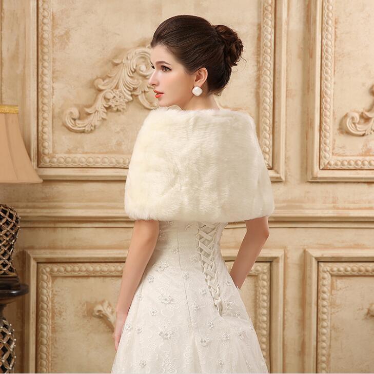 Princess Faux Fur Bridal Shrug Wrap Cape Stole Shawl Bolero Jacket Coat Crystal For Winter Wedding Bride Bridesmaid Dresses Real Image 2018