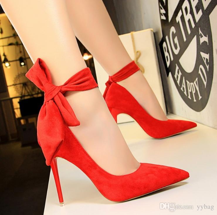 331eda9c0f7 Compre Zapatos De Mujer De Calidad Superior 2017 De Fondo Rojo Tacones  Altos Punta Estrecha Sexy Suela Zapato De La Boda Blanco Zapatos De Montaña  Zapatos ...