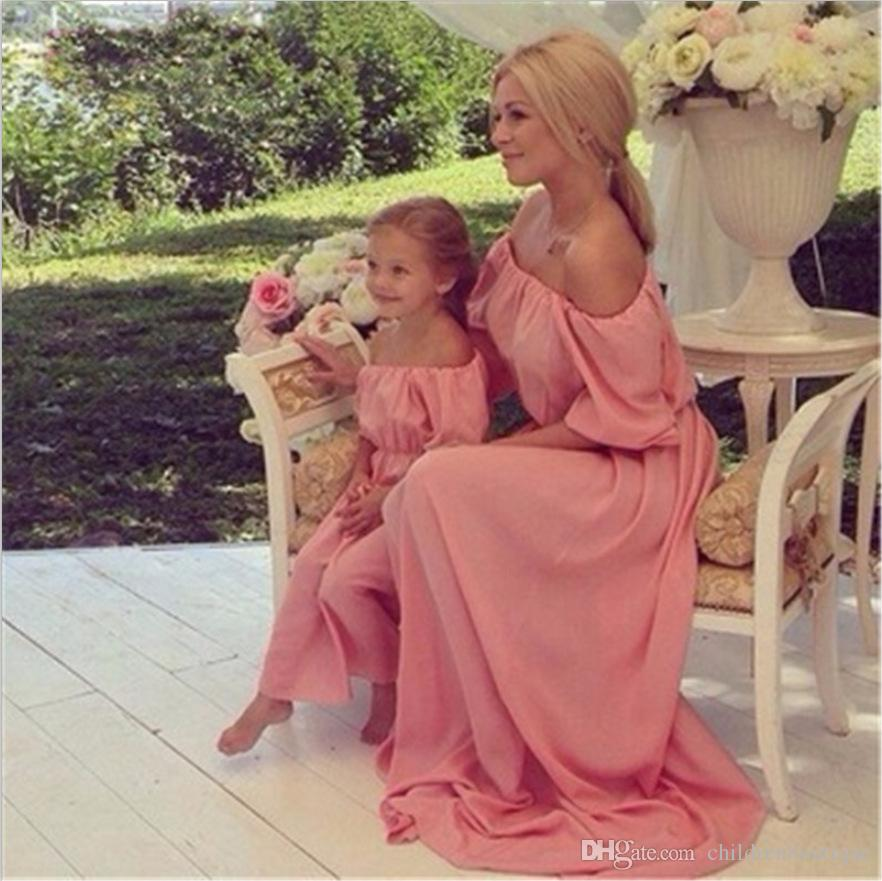 8c3dc57acf9bd 2018 Mommy And Me Family Matching Clothes Mother And Daughter Matching  Dresses Off Shoulder Chiffon Dress Family Look Baby Clothes 3Colors