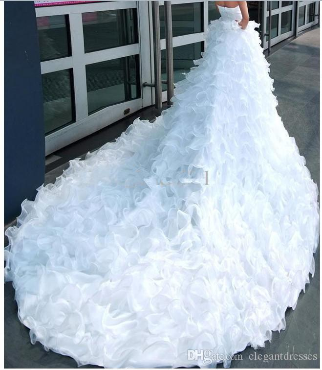 2018 Vintage Strapless Beading Princess Bride Fashion Models Big Fluffy TailL Long Tail Wedding Dress Bridal Gown Real Photos