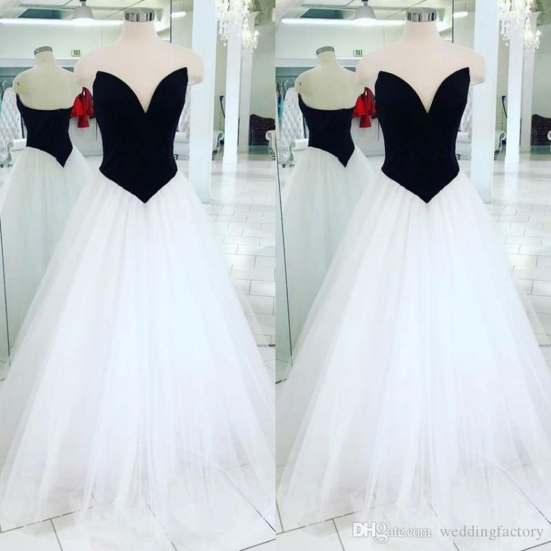 compre vestidos de novia baratos en blanco y negro sin mangas de