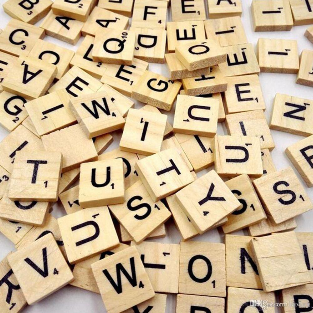 100 pc / pacote Caixa De Enigma De Madeira Alfabeto Scrabble Tiles Letras  Jigsaw puzzle quadrados Para Artesanato brinquedos De Madeira para Crianças