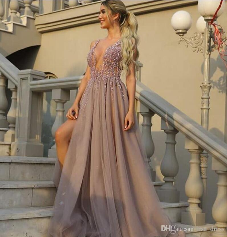 .Beaded Plongeant Encolure Déguisement Robes De Mariée Agrémentées Perles Gauche Robes De Bal Fente Tulle Longues Robes De Soirée