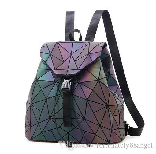 8fec4a97f466 Luminous Backpack Women Leather Geometric Backpacks Diamond Lattice  Drawstring Backpacks Holographic Backpack Purse 2018 Luminous Backpack  Women Leather ...