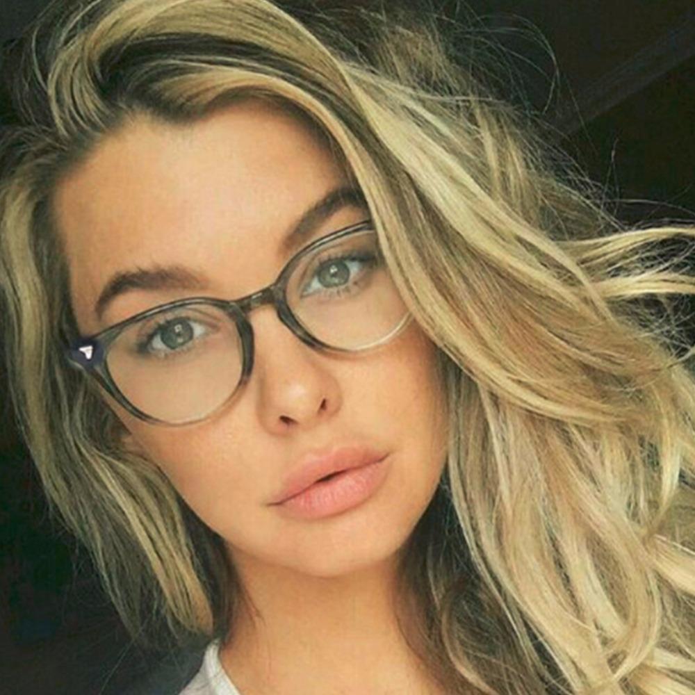 3b36ed9f59d5d Compre Clássico Das Mulheres Rodada Óculos De Armação De Marca Designer De  Moda Homens Decoração De Unhas Óculos Ópticos Óculos De Leitura   271730 De  ...