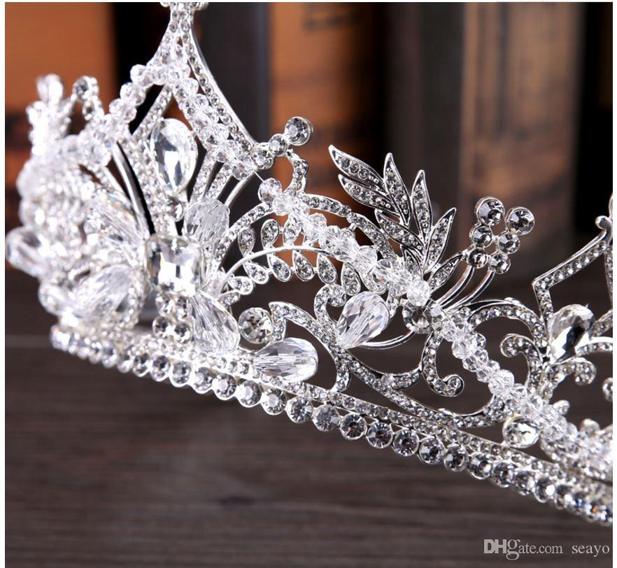 2018 new brides crown, European Crystal big crown. Wedding jewelry. The color is white and it is very beautiful