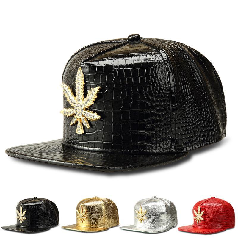... De Piel Sintética Big Leaf Gorras De Béisbol Rhinestone De Oro Hip Hop  DJ Rap Hat Hombres Mujeres Regalos Sombreros Del Snapback Del Arce Cuero De  La PU ... 4cccfe2c9a60