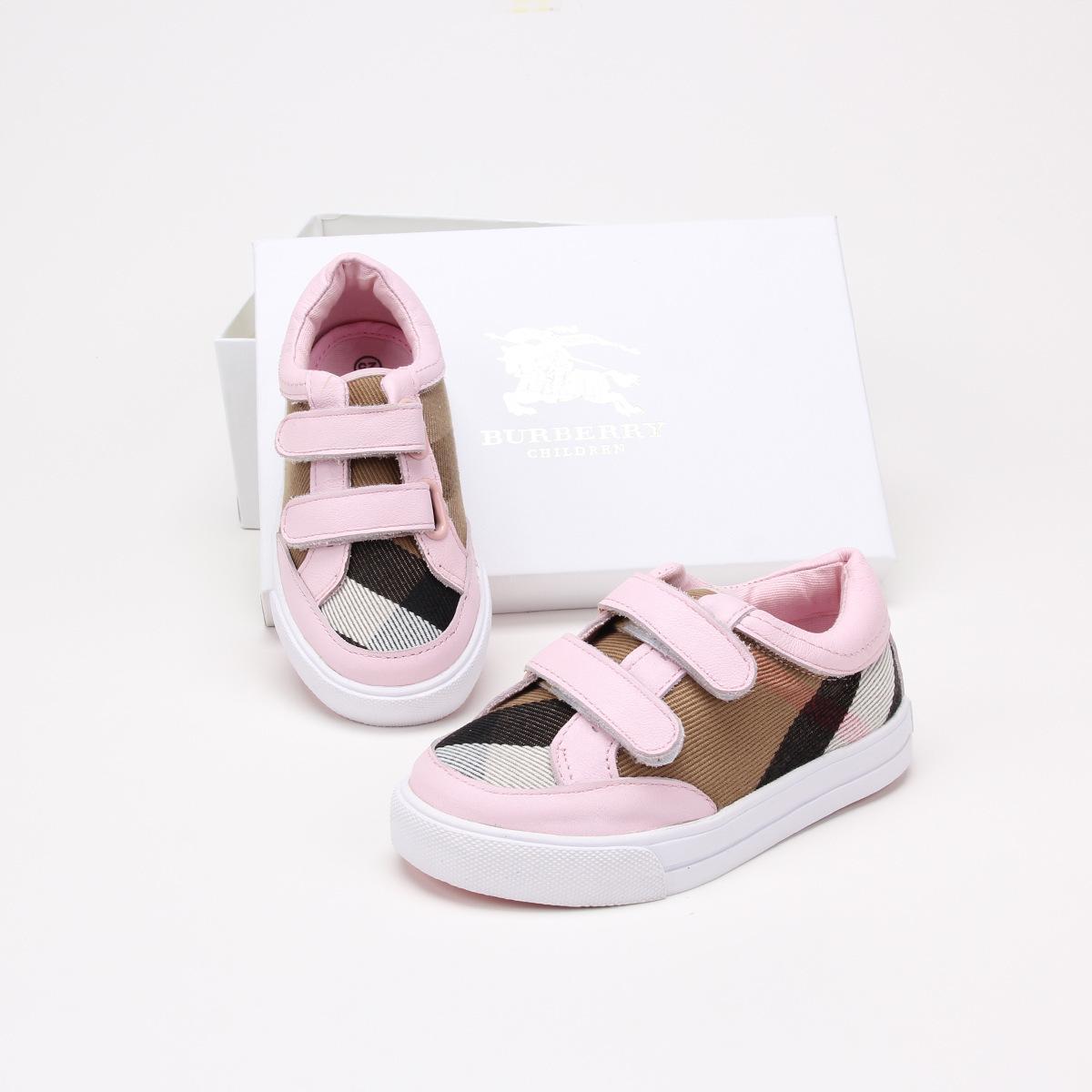 2f256a1a3c Compre Sapatos Infantis Primavera Eo Fundo De Outono Em Tong Zhen Pele  Sapatos Casuais Subsídios Magia Fashion Sneakers Todo O Jogo.