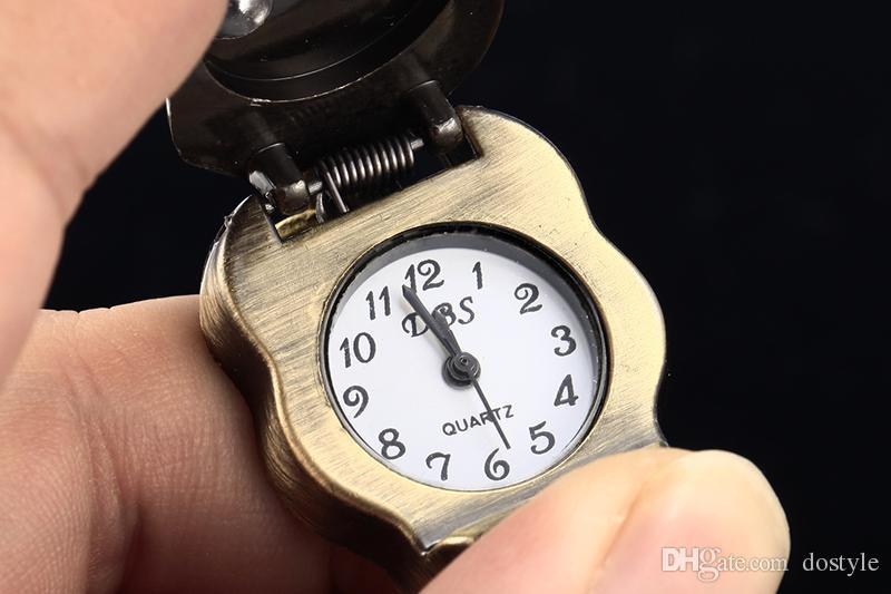 Klassischer antiker Messingschädel Skeleton Metalluhr-Schlüsselring Keychain Schlüsselring-Ketten-Taschen-Schlüsselring-Halsketten-Taschen-Uhr-Frauen-Männer Portable