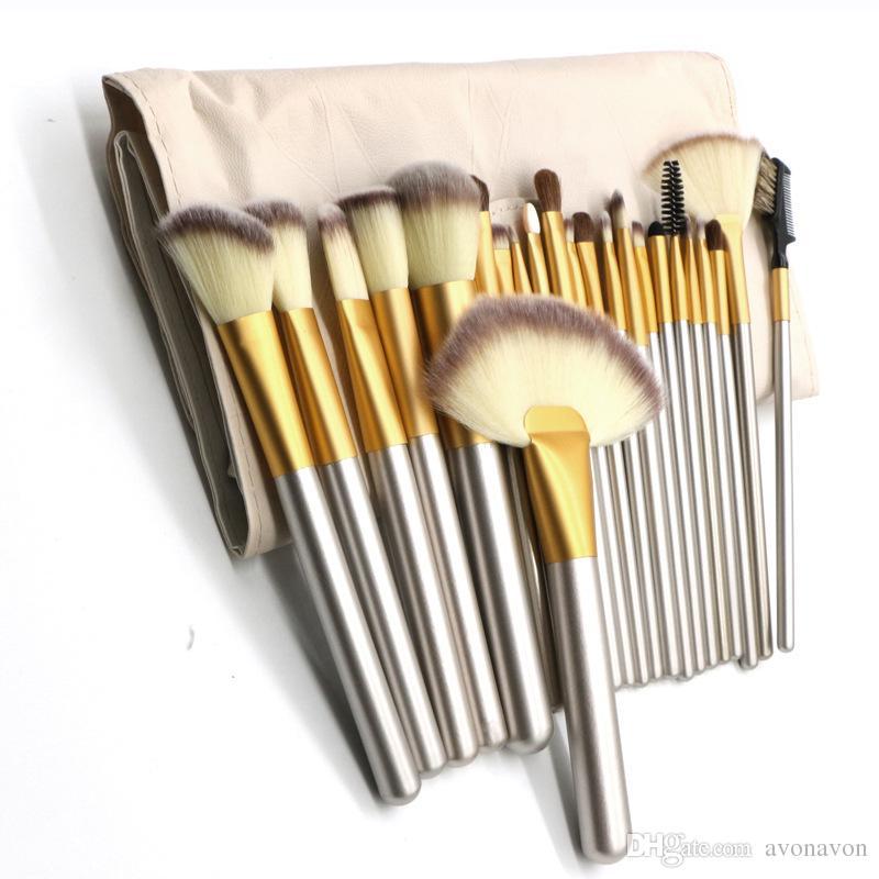 2018 cremoso blanco Maquillaje Cosmético Base cepillo Set Kit Pinceles de maquillaje Estuche de cuero mango de madera A289