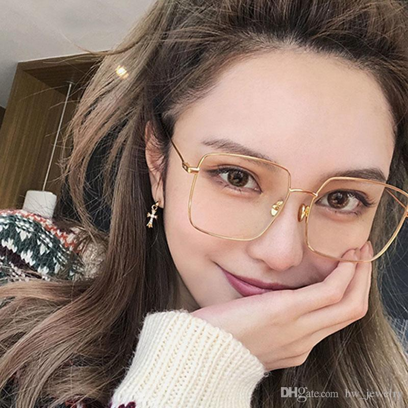 9dcc23ab175 2019 Korean Fashion Square Clear Glasses Women 2018 New Oversized Eyewear  Spectacle Frames Transparent Oculos Eyeglasses Fake Glasses From  Bw jewelry