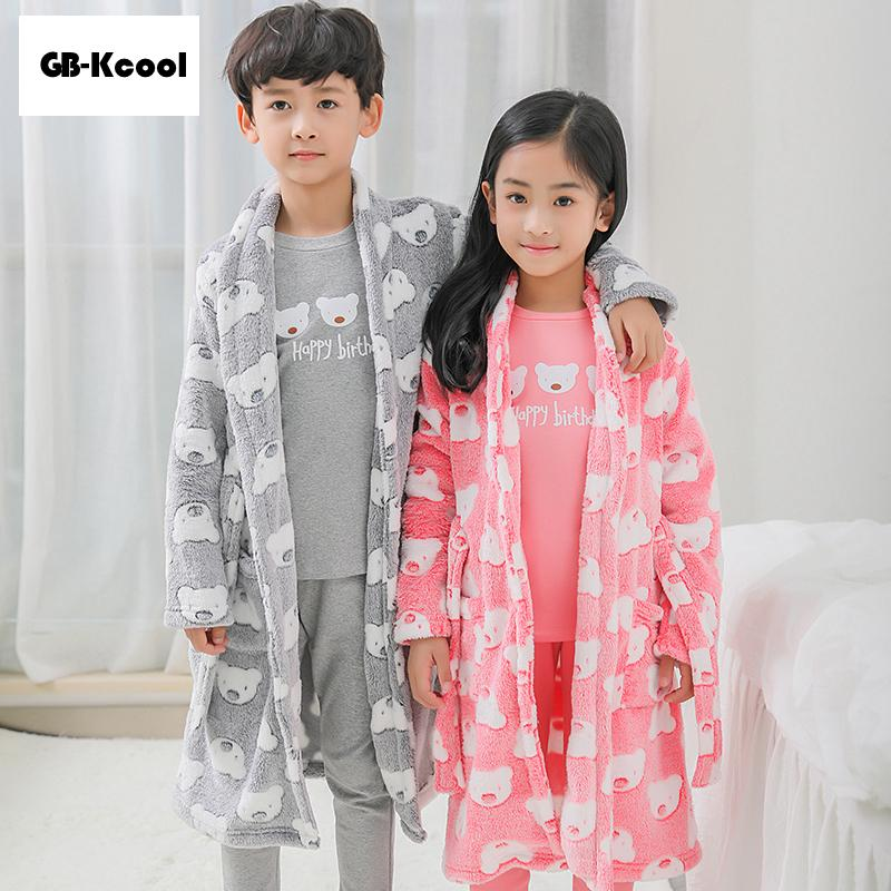New Fashion 2018 Dressing Gown Kids Girls Hooded Bathrobe Flannel Boy  Cartoon Infant Bath Robe Fleece Peignoir Unisex Night Grow Y18103008 Silky  Pajamas For ... cf1dd4713