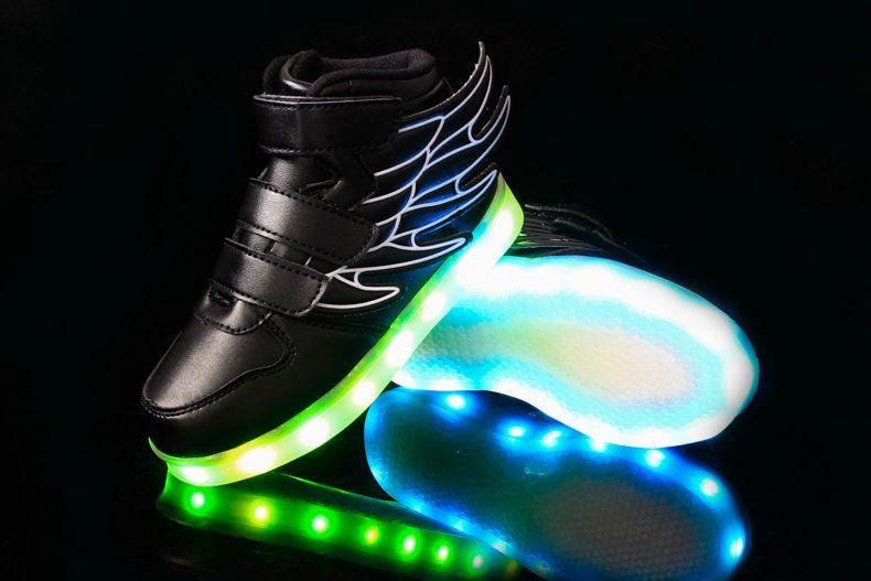 Acquista NUOVE Scarpe Leggere A LED Bambini In Stile Kids Nightclub Ballo  Ragazzi E Ragazze Sneaker Scarpe Moda Scarpe Casual i 2200. b3928711e047