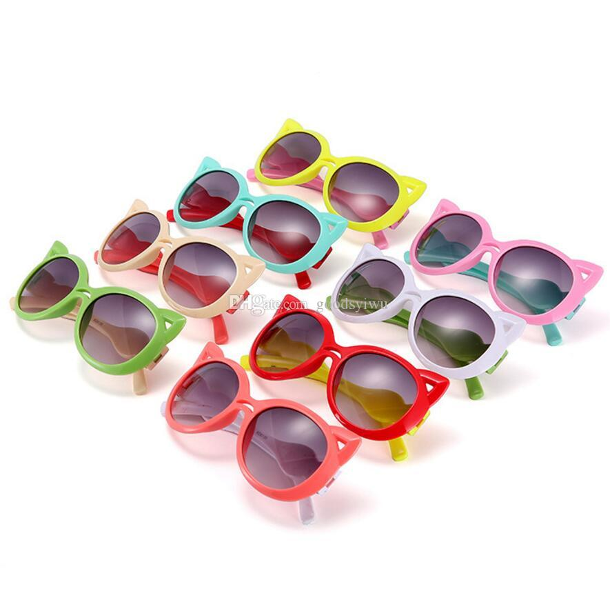 f35e4e487 Compre Clássico De Plástico Crianças Óculos De Sol Meninas Marca Forma Da  Orelha De Gato Crianças Óculos Meninos UV400 Lente Do Bebê Óculos De Sol  Bonito ...