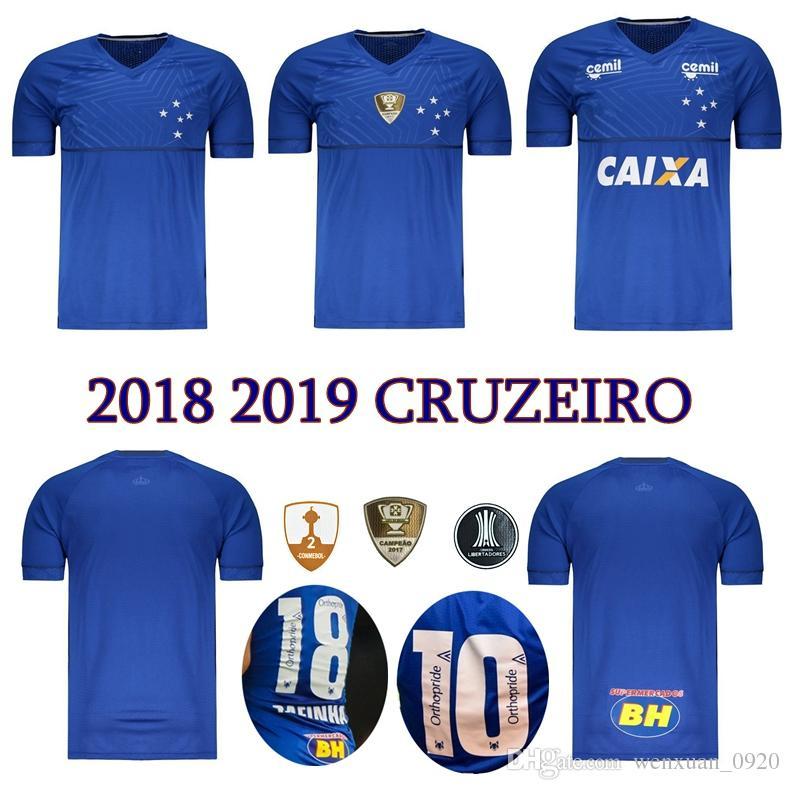 Compre 2018 2019 Camisa De Futebol CRUZEIRO 18 19 DE ARRASCAETA FRED  ROBINHO Camisa De Futebol De THIAGO NEVES Cruzeiro Em Casa Clube Brasileiro  Camisas De ... 515e48bb658b4